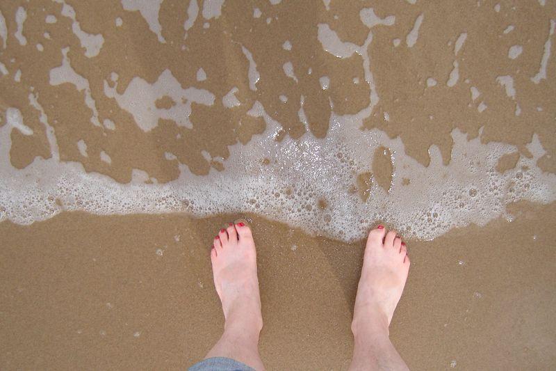 feet_sea
