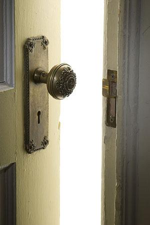 door_closing